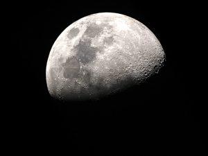 190801_moon-w1280